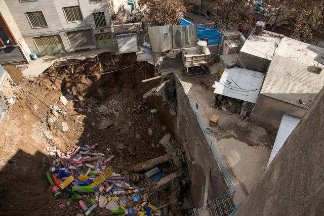 فروریختن ناگهانی ساختمان دو طبقه در خاوران