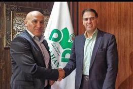 منصوریان قراردادش را با تیم فوتبال ذوب آهن تمدید کرد