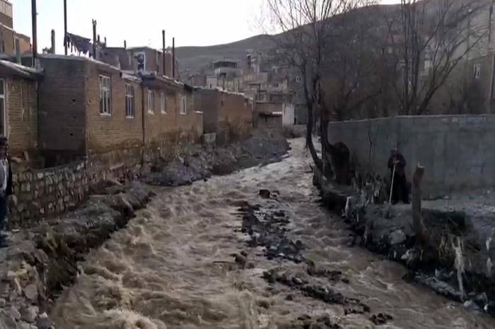 جمع آوری چند سازه مشکل دار در حریم رودخانه ها