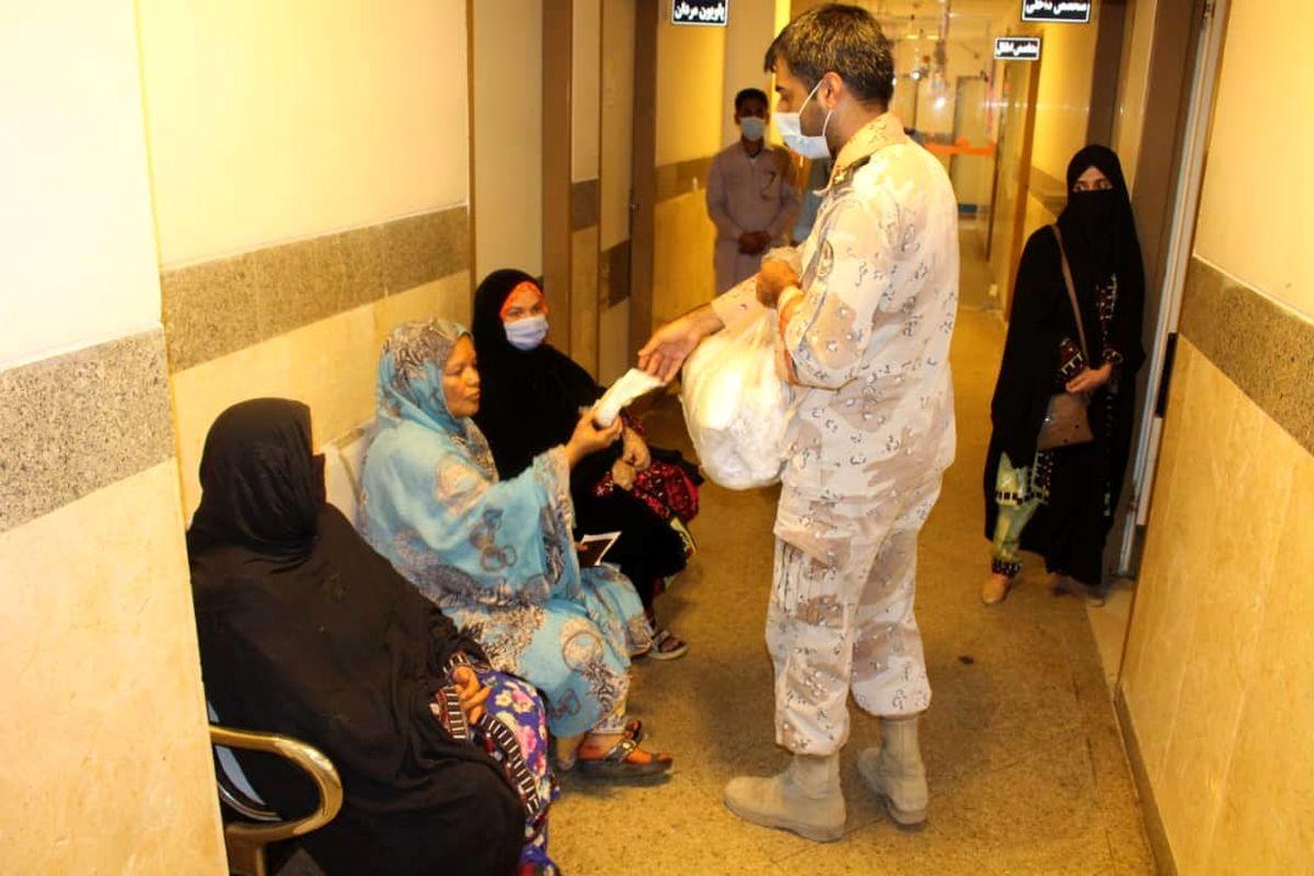 توزیع اقلام بهداشتی در مناطق محروم شهرستان های کنارک و چابهار