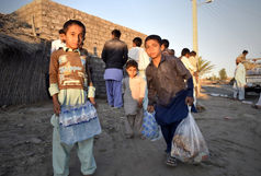 40 هزار غذای ماندگار و 75 هزار غذای گرم میان سیلزدگان توزیع شد