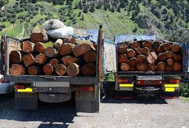 توقیف کامیونهای حامل محموله قاچاق در لاهیجان