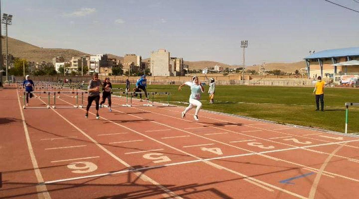 پایان کار دختران دونده آذربایجانغربی در مسابقات نوجوانان کشور با یک برنز