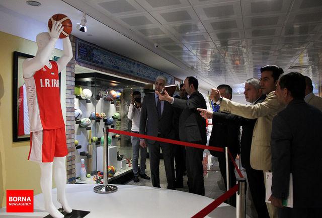 بازدید وزیر ورزش عراق از موزه ملی ورزش+ببینید