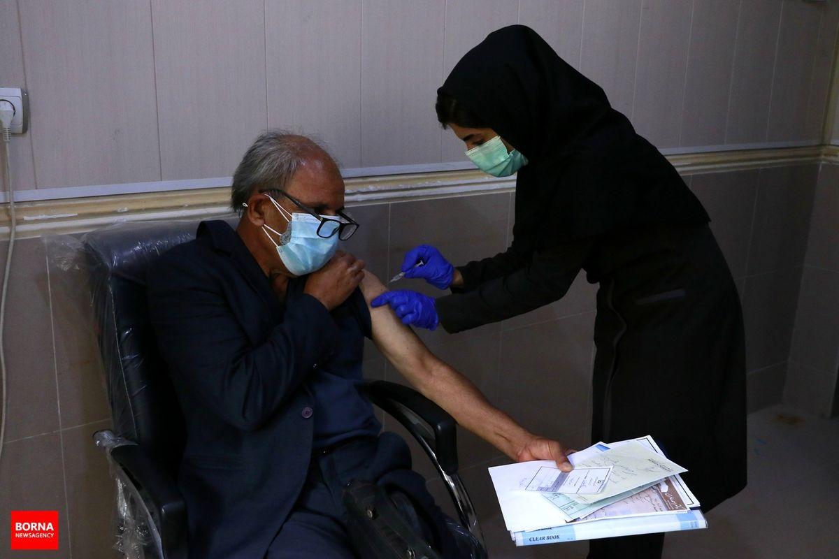 واکسیناسیون افراد ۵۰ سال به بالا در آبادان آغاز شد+جزییات