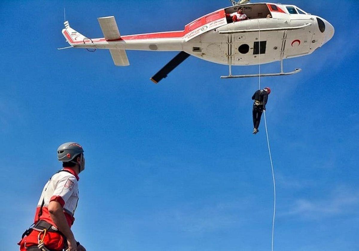 پایان عملیات جستوجو و نجات در منوجان/هلالاحمر خانوادههای گردشگران را نجات داد