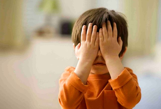 با کودک خجالتی چکار کنیم؟