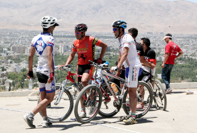 تیم ملی دوچرخه سواری کوهستان تهران را به مقصد جاکارتا ترک کرد