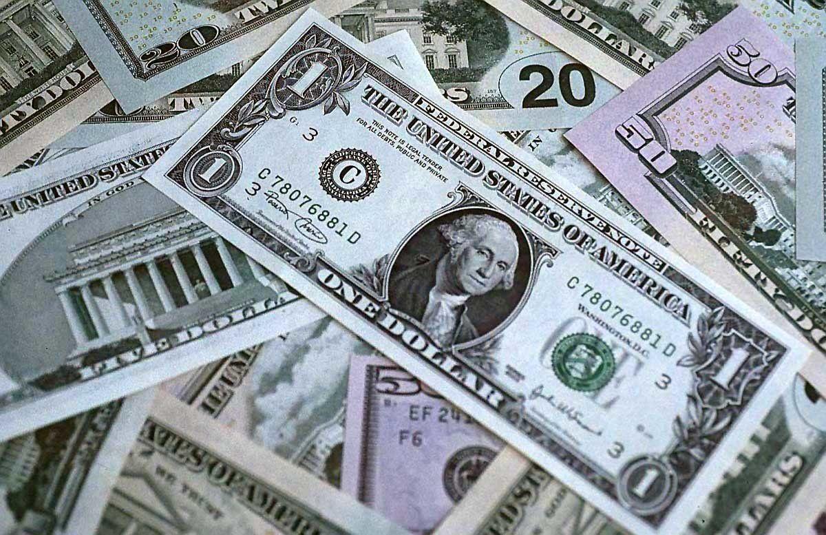 دلار آمریکا از صندوق رفاه ملی روسیه حذف شد