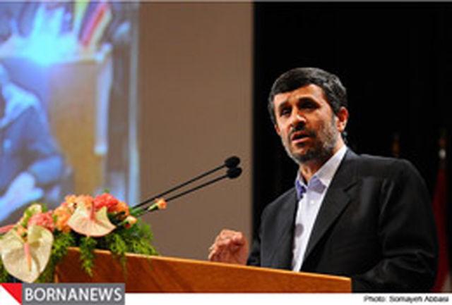 دشمنان آرزوی به خاک رساندن کمر ملت ایران را به گور میبرند