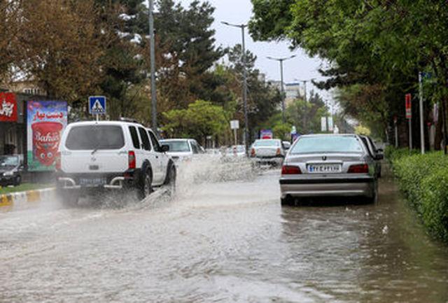 آب گرفتگی در میدان محمدیه+فیلم