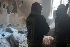 کولری که خانه را به آتش کشید/عملیات نجات ۳۰ نفر از میان دود و آتش+ببینید