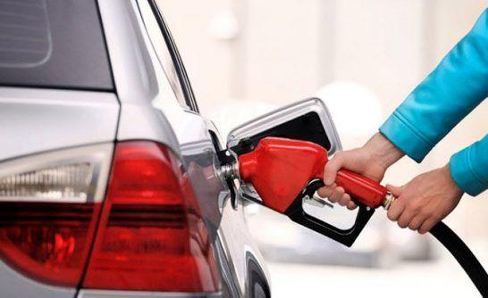 پمپ بنزین ها تعطیل نمیشوند
