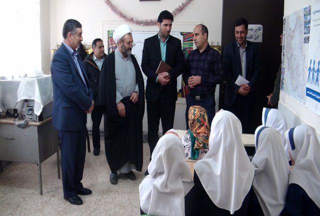 مشکلات روستاهای بخش حلب با حضور امام جمعه ، فرماندار بررسی شد