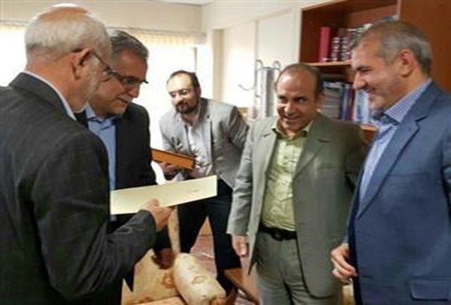 یحیی عیدی بیرانوند، حکم شهردار ی خرم آباد را دریافت کرد