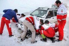 هلال احمر قزوین به  ۴۵ نفر در راه مانده برف و کولاک امداد رسانی کرد