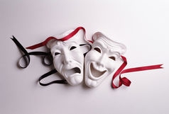 «عند از مطالبه» به تیوال راه پیدا کرد/تماشای این تئاتر جذاب را از دست ندهید