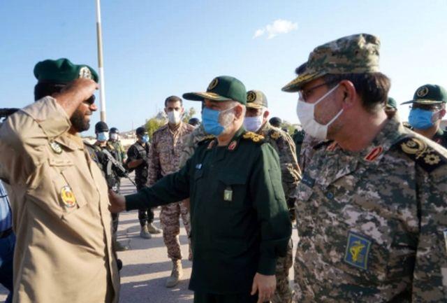 بازدید فرمانده کل سپاه از یگانهای مستقر درجزیره بوموسی