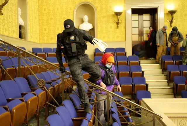 نیروهاى پلیس فدرال آمریکا FBI وارد ساختمان کنگره شدند/ ببینید