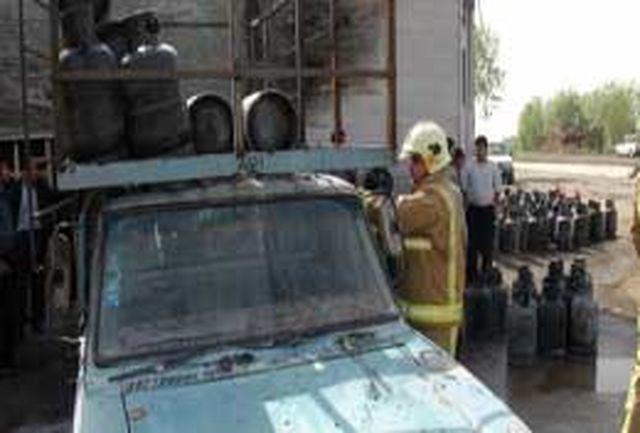 آتشسوزی وانت بار حامل 150 کپسول گاز