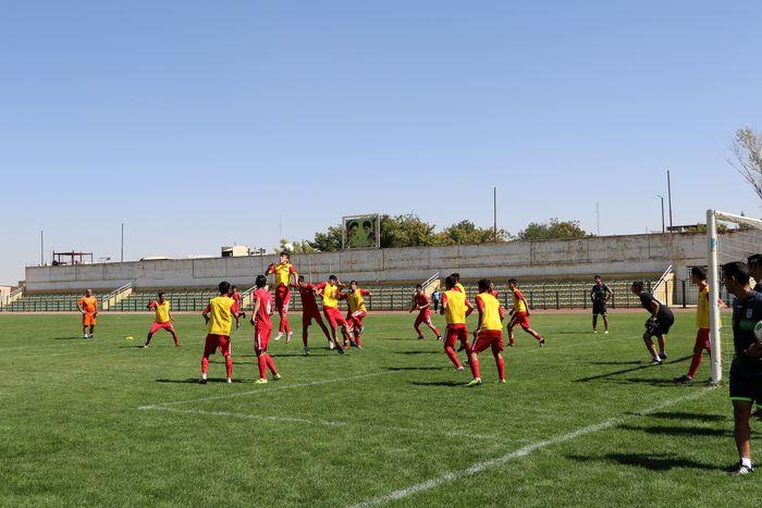 تیمهای فوتبال پایه شهرداری همدان به مسابقات مناطق کشور اعزام میشوند