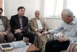 دیدار سرپرست استانداری گیلان با خانواده شهید ملک پور