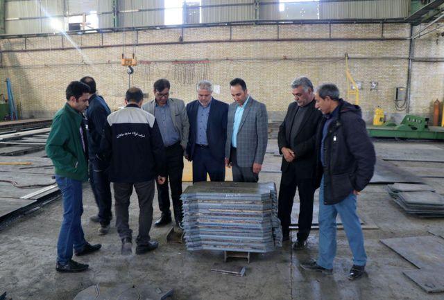 بازدید شهردار، رئیس و اعضای شورای شهر بافت از کارخانه تولید سازههای فلزی