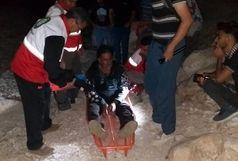 نجات فرد آسیب دیده در ارتفاعات بستک پس از 6 ساعت عملیات جستجو