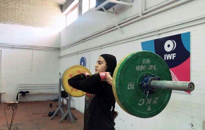 آرزویم کسب مدال در المپیک است / رشته وزنه برداری در میان بانوان جایگاه واقعی خود را پیدا نکرده است