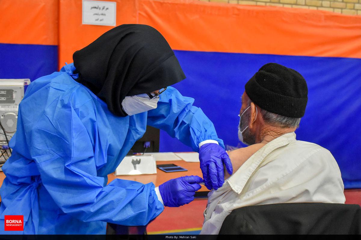 آغاز واکسیناسیون افراد بالای 68 سال از دوشنبه