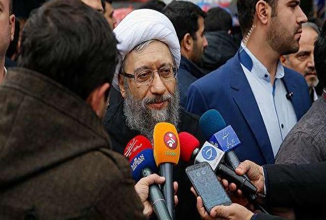 آیت الله آملی لاریجانی: ملت ایران تسلیم ناپذیر هستند/ جمهوری اسلامی هر روز بالندهتر، قدرتمندتر و در منطقه اثرگذار است