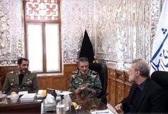 فرمانده ارتش با رییس مجلس دیدار کرد