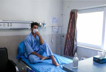 حسین نوری دارنده مدال برنز کشتی فرنگی جهان در بیمارستان مسیح دانشوری