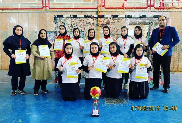 کسب مقام سوم در مسابقات هندبال خوزستان توسط دانشآموزان شوشتری