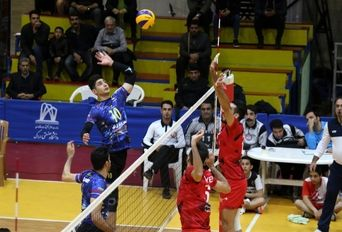دیدار تیم های والیبال شهروند اراک - پیام مشهد