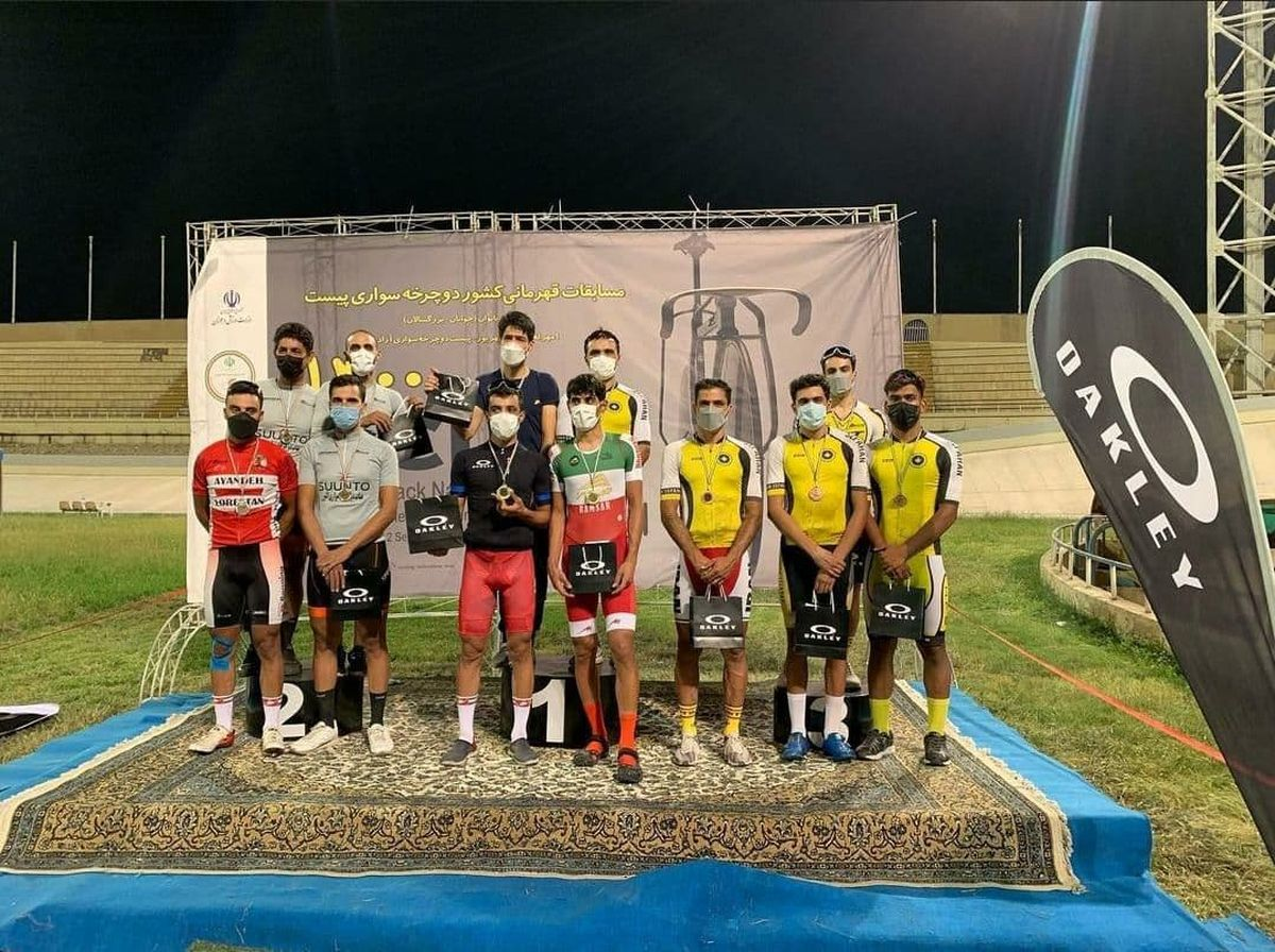 نایب قهرمانی رکابزن ازنایی درمسابقات  تعقیبی تیمی کشور