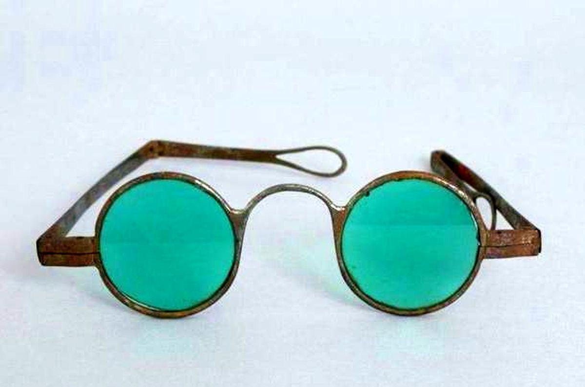 اولین عینکهای آفتابی جهان چگونه پدید آمدند؟