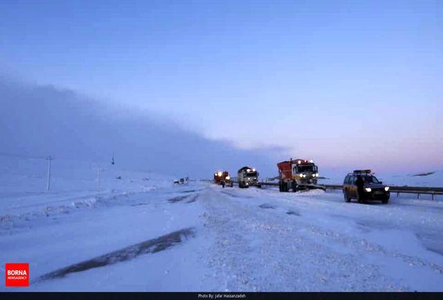 جاده امامزاده هاشم برفی است/ رانندگان با احتیاط و تجهیزات کامل تردد کنند