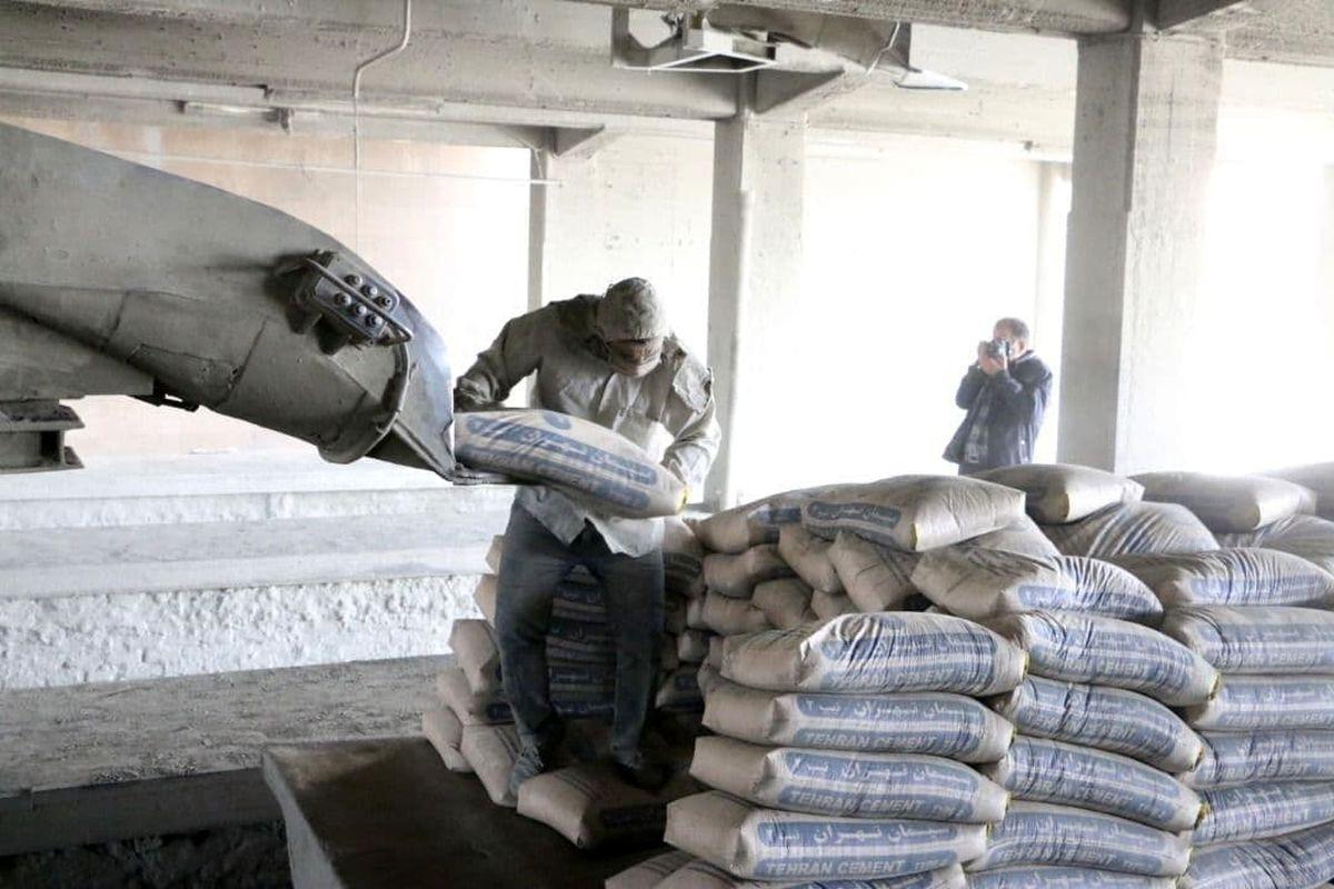 عرضه بیش از ۶۰۰ هزار تن سیمان در بورس کالا در روز شنبه
