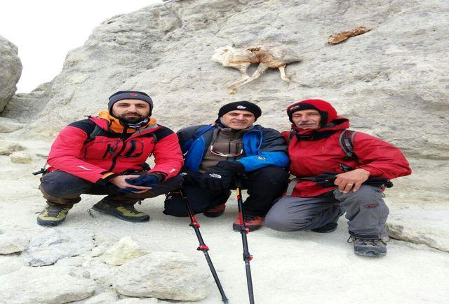 قله دماوند زیر پاهای ورزشکاران گیلانی