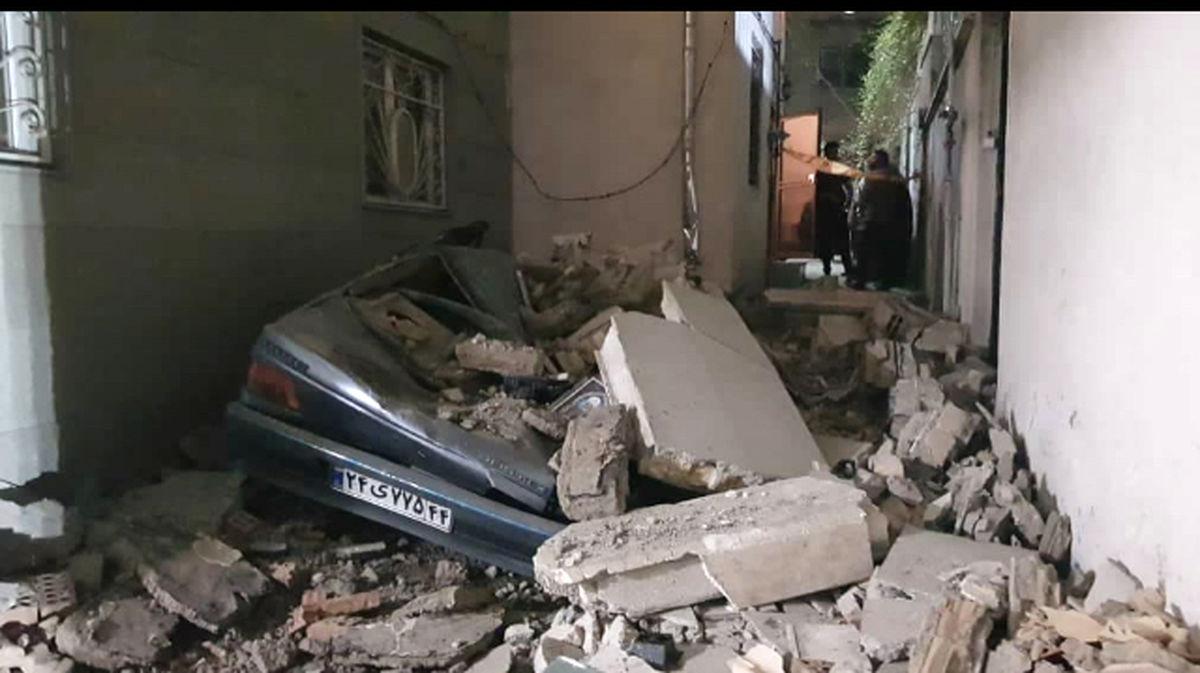 ریزش دیوار در محله حسن آباد تهران