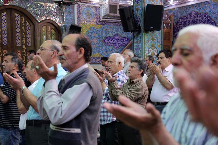 برپایی نماز عید فطر با رعایت فاصلهگذاری در مساجد محلات آذربایجانغربی