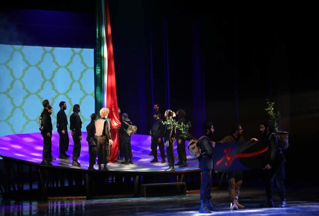 مستند نمایش «سرباز» در ایستگاه پایانی/ ضرورت مطرح کردن بینش بزرگ سردار سلیمانی