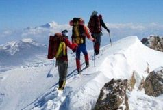 گم شدن 15 کوهنورد زنجانی در برف و کولاک کوه های طارم