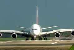 پرواز و فرود شگفت انگیز همزمان دو هواپیما از روی یک باند+فیلم