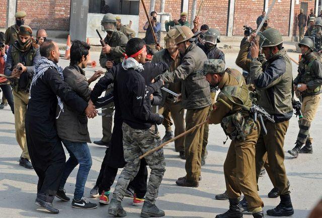 تصاویر دلخراش حمله پلیس هند به عزاداران حضرت سیدالشهدا (ع) / فیلم