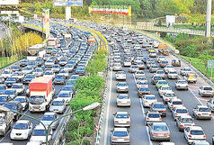 گره ترافیکی در ۵ بزرگراه و یک خیابان پایتخت