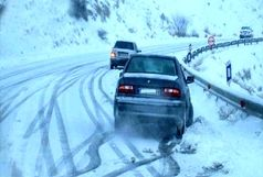 با توجه به بارش برف و وقوع کولاک راه ارتباطی بیش از ۹۵ روستا در استان زنجان مسدود بود