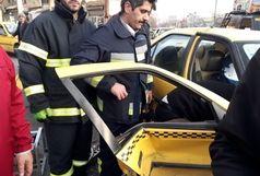 حادثه رانندگی در چهار راه انقلاب سنندج یک مصدوم به جای گذاشت