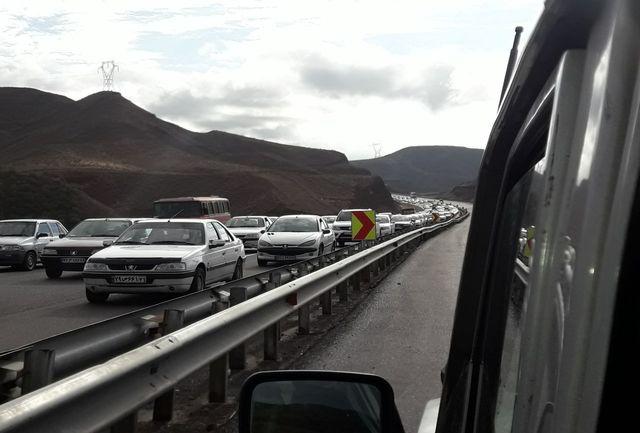 ترافیک سنگین در جاده قزوین _ رشت